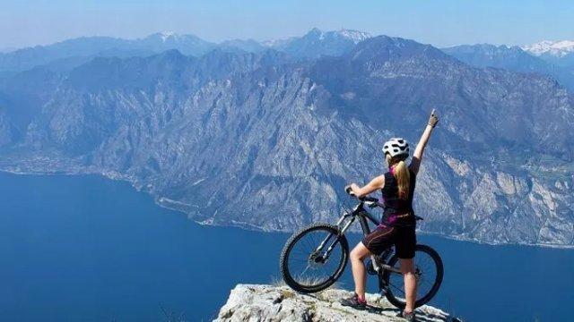 Самый красивый веломаршрут Европы построят вокруг наибольшего озера Италии
