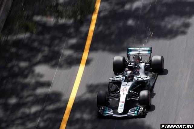 В Mercedes пытаются решить проблемы с деградацией резины HyperSoft