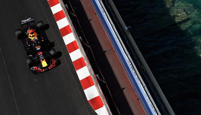 Риккардо с рекордом трассы завоевал поул в Монако