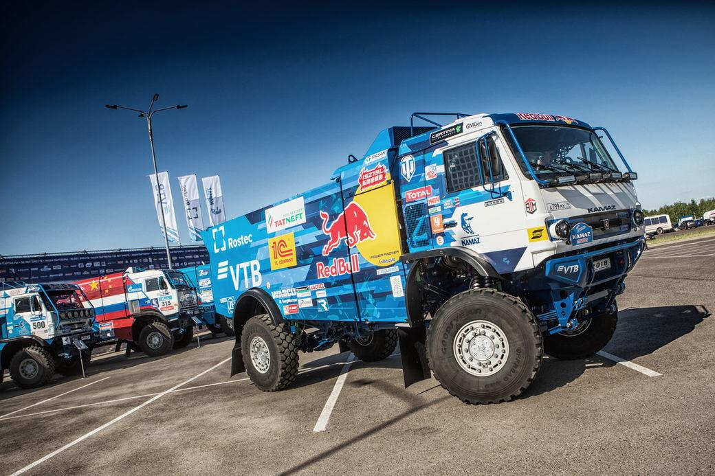Команда «КАМАЗ-мастер» представила новый спортивный грузовик