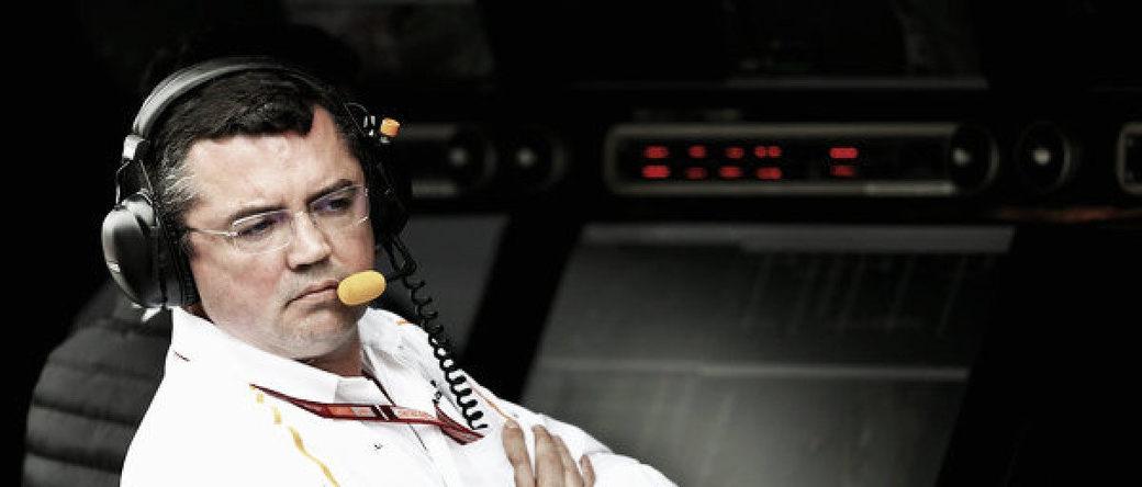 Эрик Булье покинул пост гоночного директора McLaren