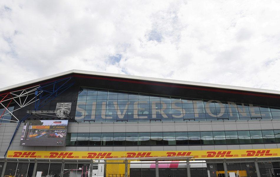 В Force India недовольны графиком из трех гонок подряд