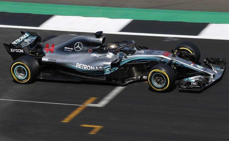 Льюис Хэмилтон завоевал свой шестой поул на Гран При Великобритании