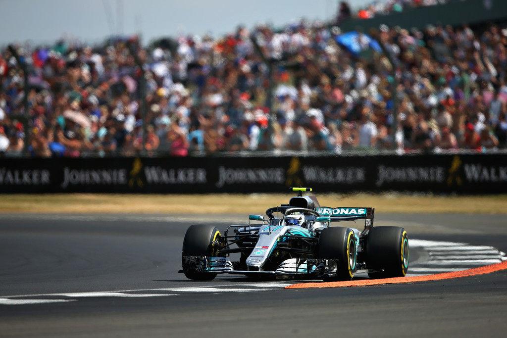 Валттери Боттас вышел в лидеры Гран При Великобритании