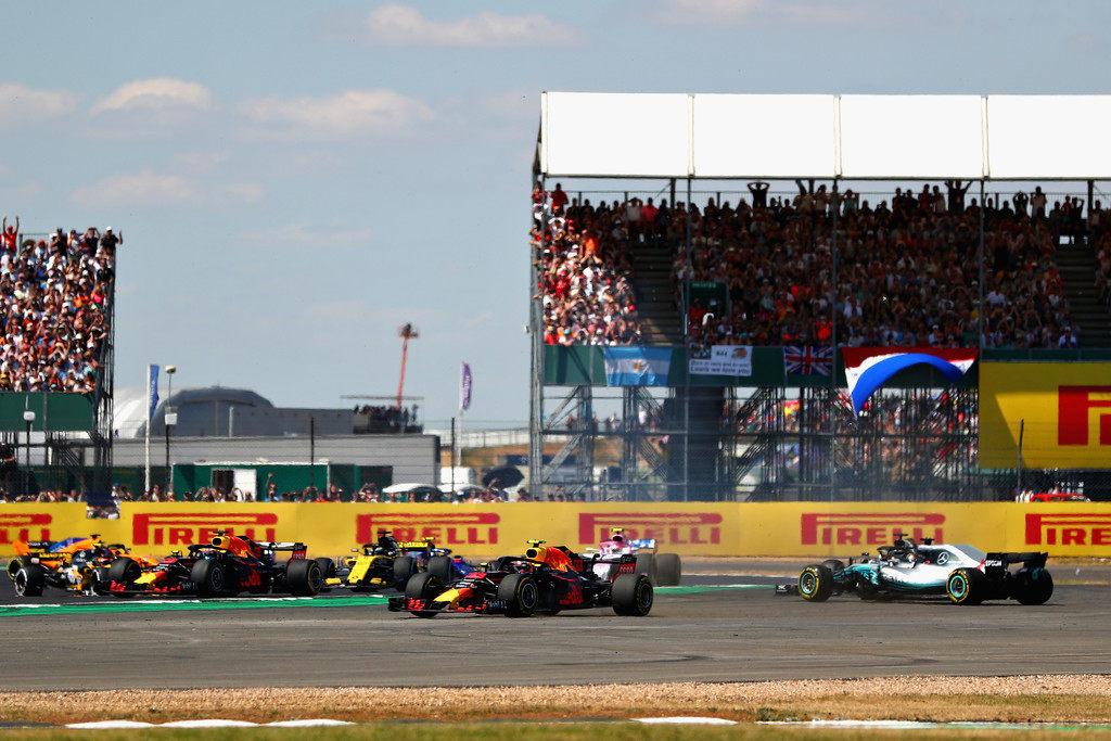 «Ferrari действует специально или некомпетентно». Вольф и Феттель обменялись комментариями