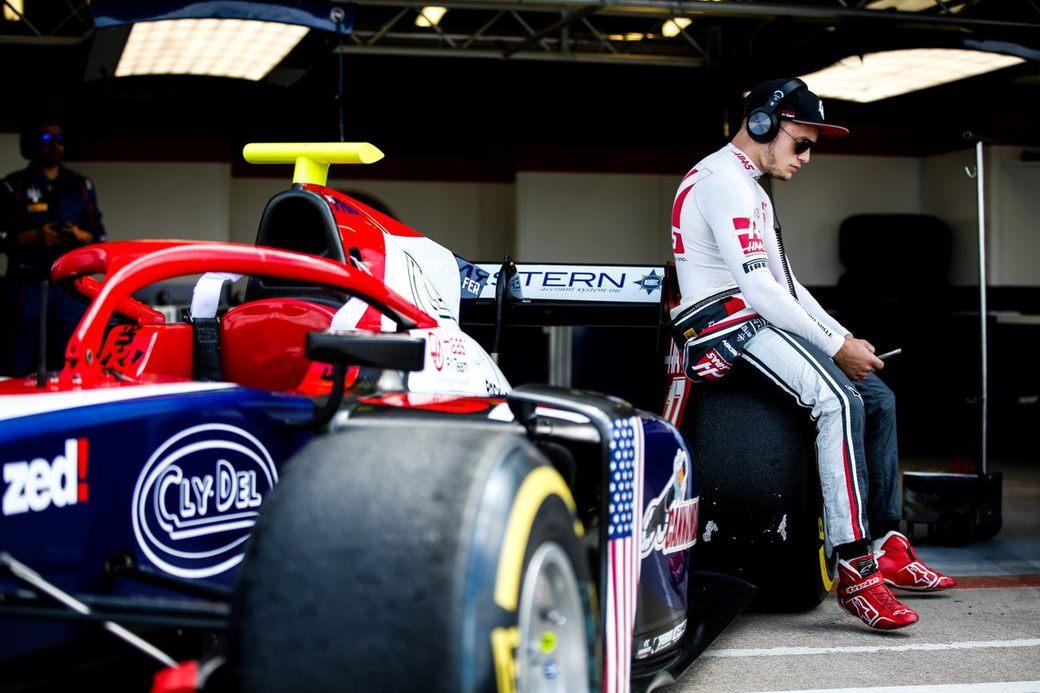 «У него что-то не так с головой». Юниор Haas отстранен от четырех гонок в Формуле 2