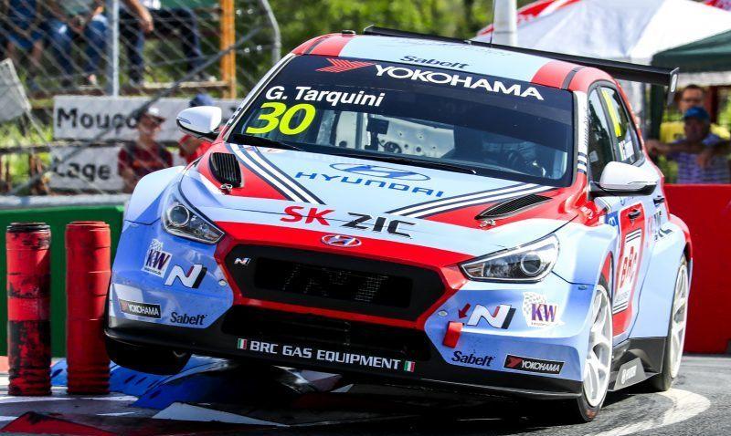 Габриэле Тарквини стартует с поул-позиции в первой гонке WTCR в Словакии