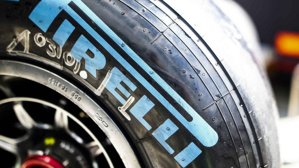 В Pirelli найдут способ сообщить зрителям о составах шин в сезоне-2019