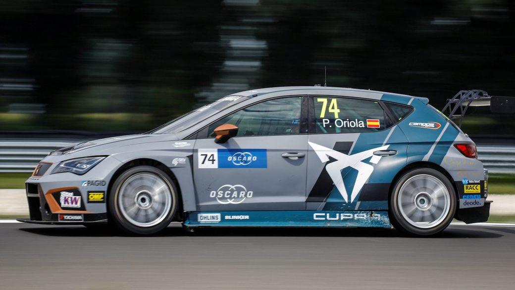 Пепе Ориола избежал наказания и выиграл первую гонку WTCR в Словакии