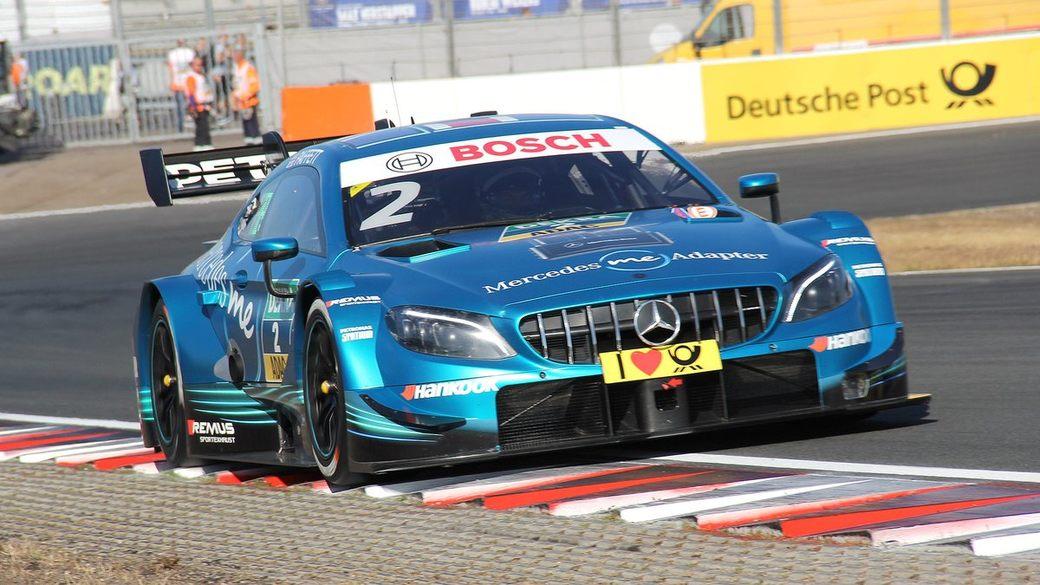 Гэри Паффетт возглавил четверку Mercedes на финише первой гонки DTM