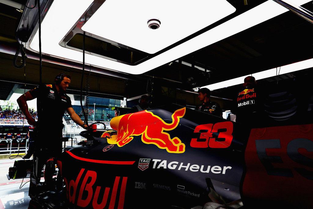 Макс Ферстаппен: Red Bull получает обновления мотора на одну-две гонки позже Renault