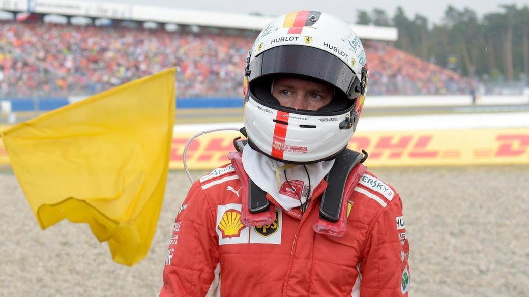 Впервые за 13 лет лидер гонки Ф1 попал в аварию по своей вине