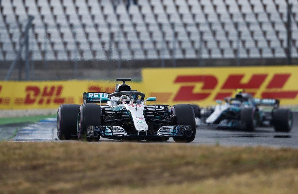 Жак Вильнёв: Не понимаю, что плохого в командной тактике в Mercedes и Ferrari