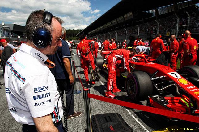 Падди Лоу защищает гонщиков Williams