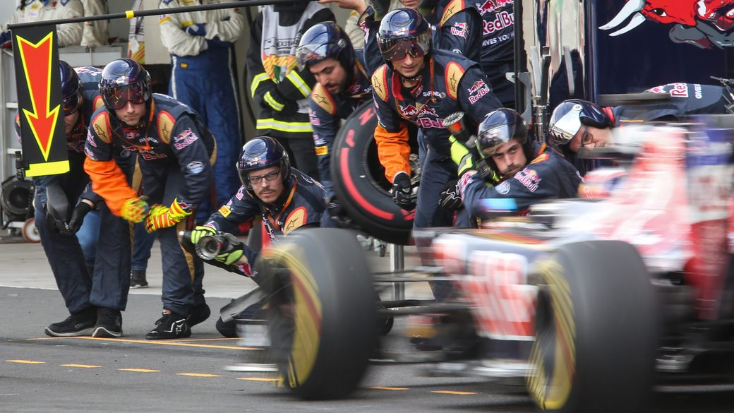 Pirelli: Два обязательных пит-стопа не добавят гонкам зрелищности