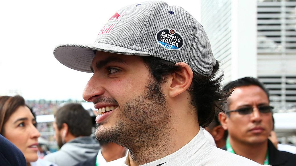 Официально: Карлос Сайнс в составе McLaren