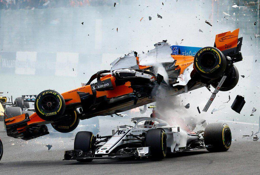 Гонщики Red Bull разошлись во мнении по поводу пользы «ореола» в аварии Леклера
