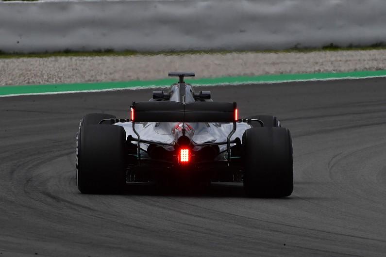 """В 2019-м в """"Формуле-1"""" на шасси появятся дополнительные сигнальные панели"""
