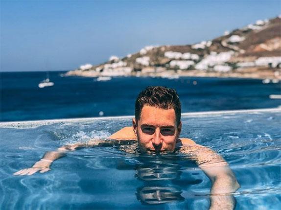 Стоффель Вандорн расслабляется на греческом острове Миконос
