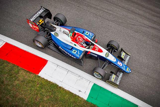 GP3: Пике выиграл воскресную гонку в Монце. Алези второй