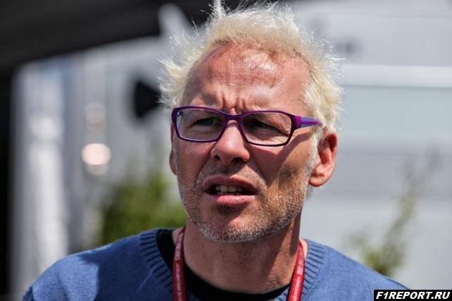 Вильнев раскритиковал тактику Mercedes в Италии