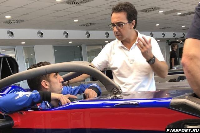 Для чего Буэми проходил подгонку сиденья в Toro Rosso?