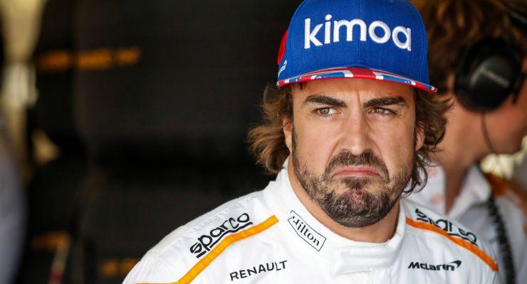"""Алонсо может отказаться от полного сезона в """"Индикаре"""" и заявиться в """"Формулу-Е"""""""