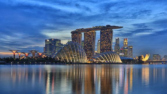 Вид центра Сингапура с моря