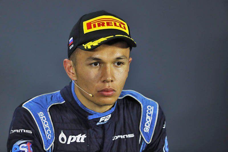 Кристиан Хорнер: Албон – талантливый гонщик, но пока больше нечего сказать
