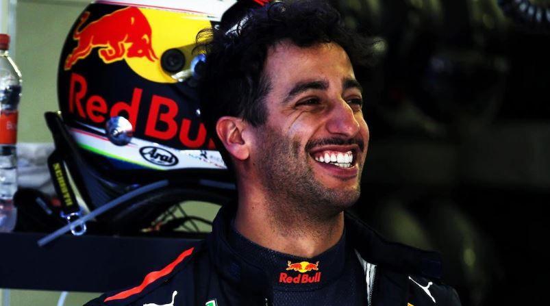 Даниэль Риккардо: Наивно списывать со счетов Mercedes и Ferrari в Мексике