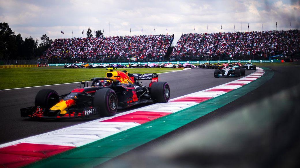 Команда Red Bull Racing похвалила мотористов Renault
