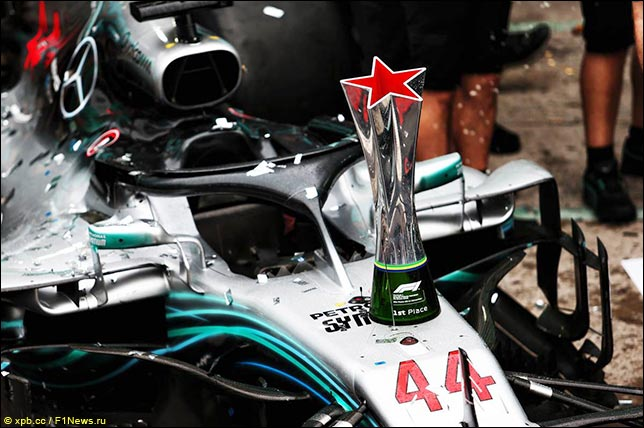 В Абу-Даби гонщики Mercedes могут быть оштрафованы