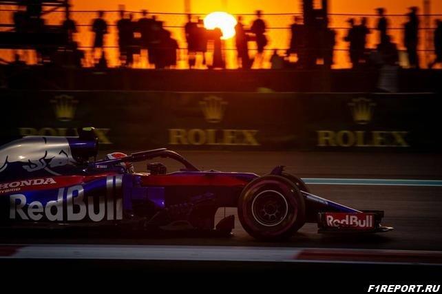 Дирекция гонки попросила Toro Rosso остановить болид Гасли