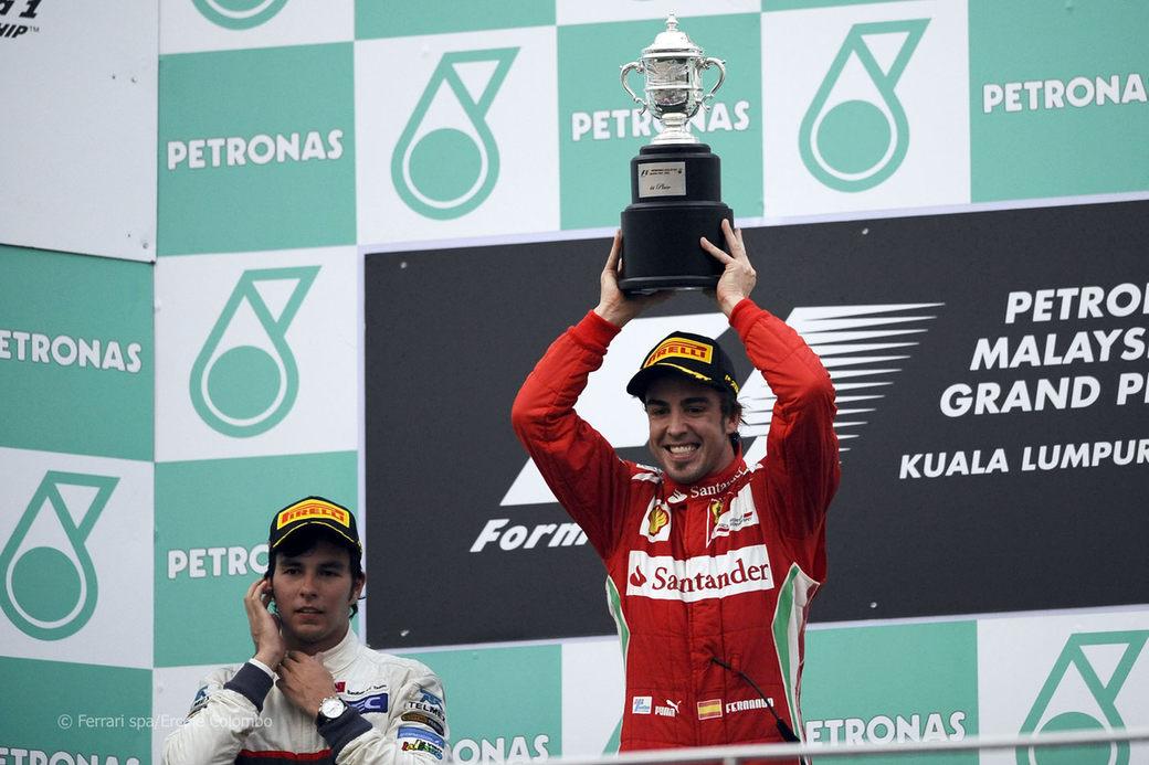 Серхио Перес: Проблемы Алонсо показывают, насколько все плохо в Формуле 1