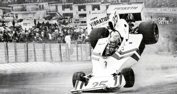 Авария Бретта Ланджера на квалификации Гран При США 1975 года