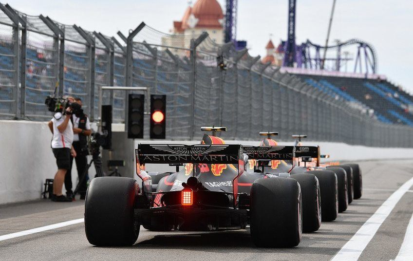 Оштрафованные гонщики будут бороться между собой в квалификации