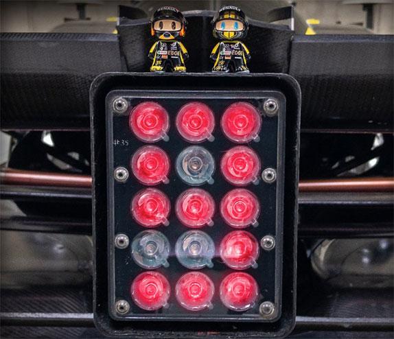 В Renault готовятся отметить Рождество