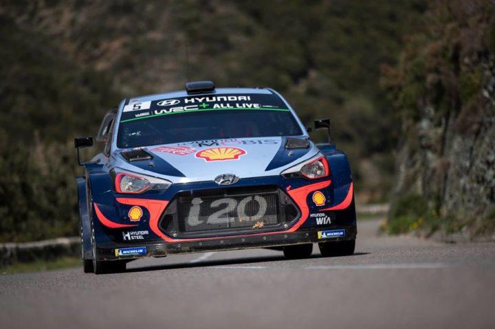 Раллийный автомобиль «Хёндэ i20 WRC» против дорожного  «i30N»