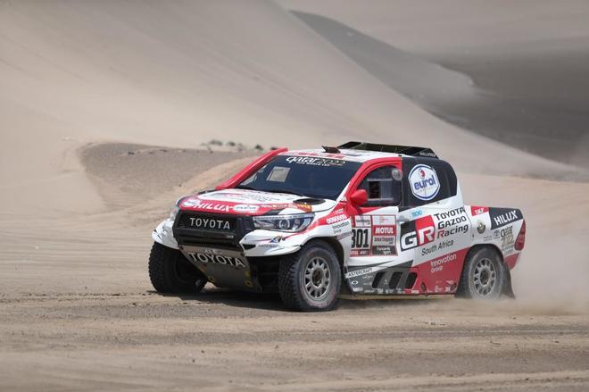 Алонсо отправился в ЮАР на тесты чемпионской машины «Дакара»?