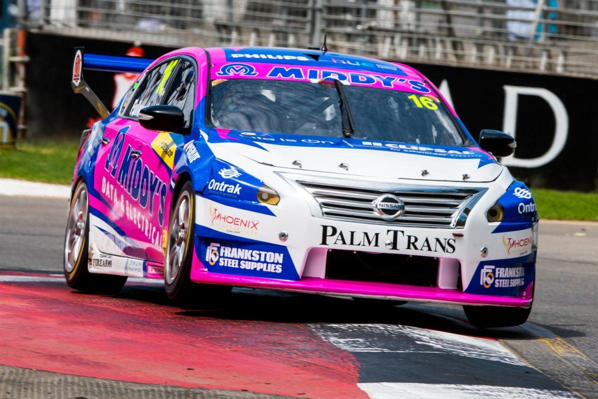 Фуллвуд выиграл первую гонку сезона «Данлоп Супер2» в Аделаиде