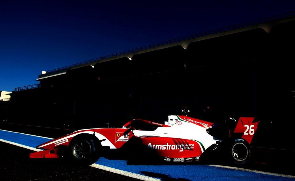 Армстронг возглавил протокол первого дня тестов Ф3, Шварцман в тройке