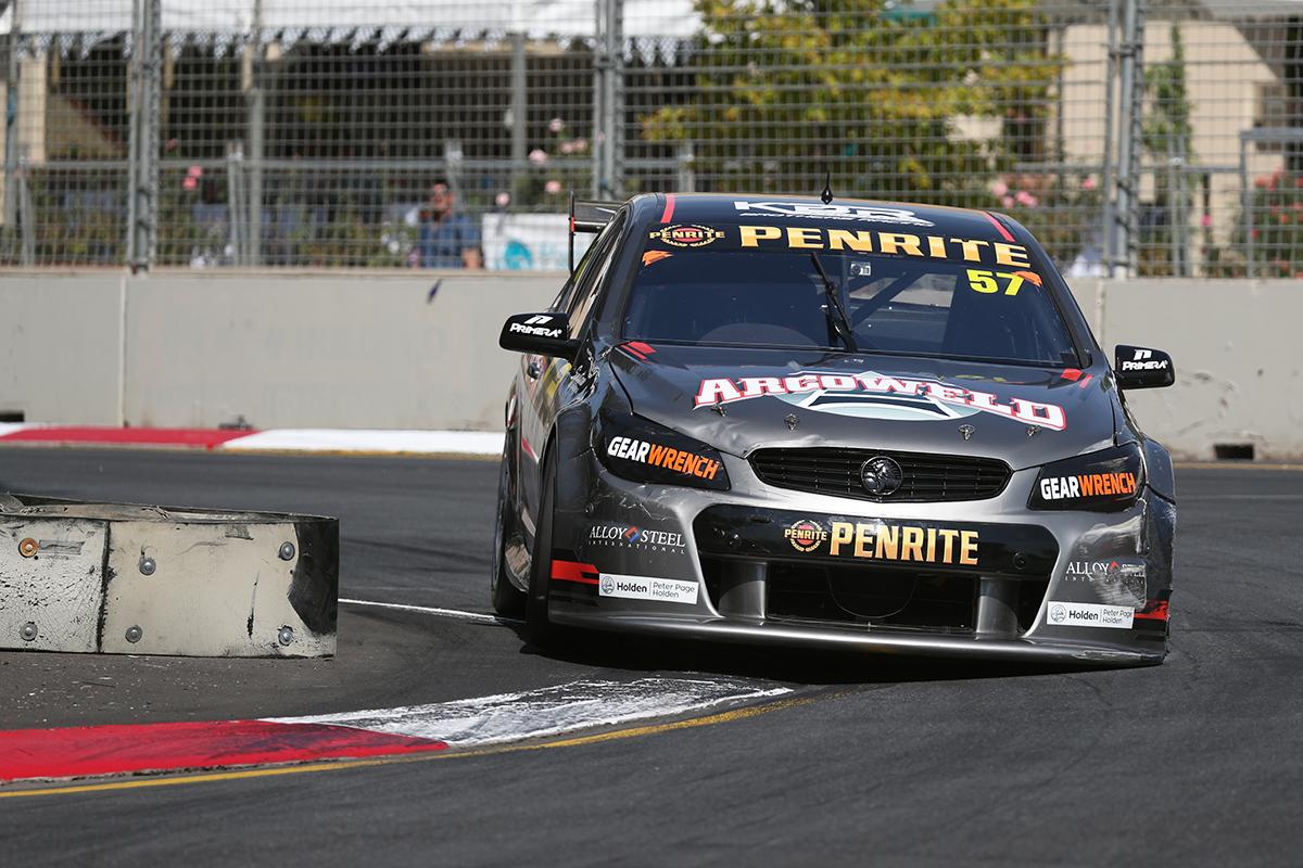 Костецки и Фуллвуд выиграли оставшиеся гонки первого этапа «Данлоп Супер2» в Аделаиде
