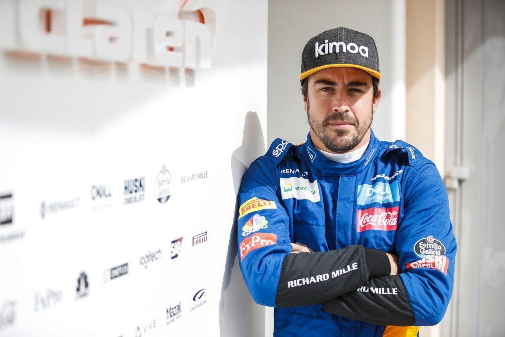 «Машина уже не такая вялая». Алонсо об управлении «Маклареном» на тестах в Бахрейне