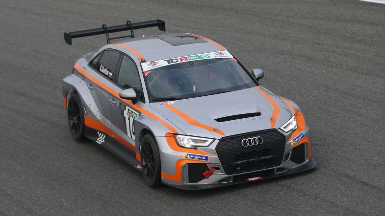 Гаврилов выиграл первую гонку итальянского ТКР в Монце
