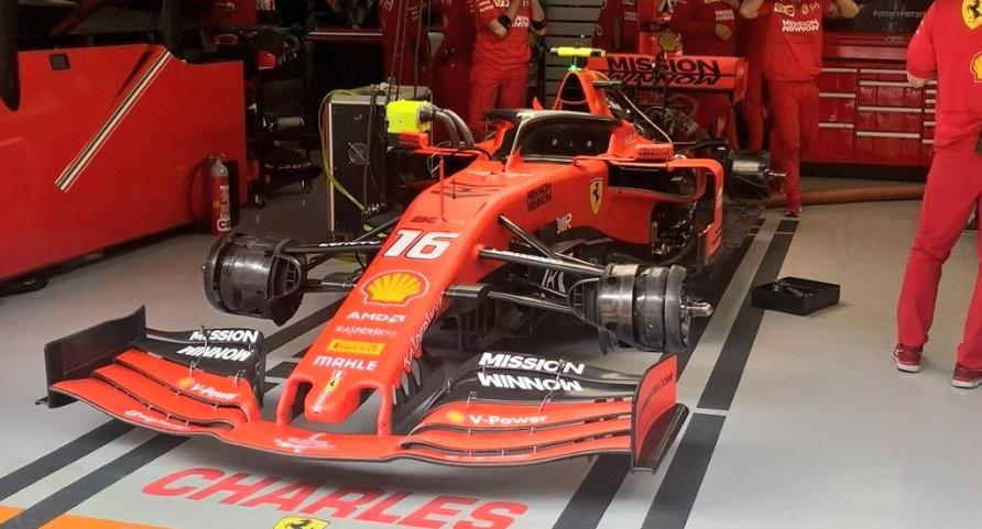 Леклер столкнулся с техническими проблемами во второй тренировке Гран-при Китая