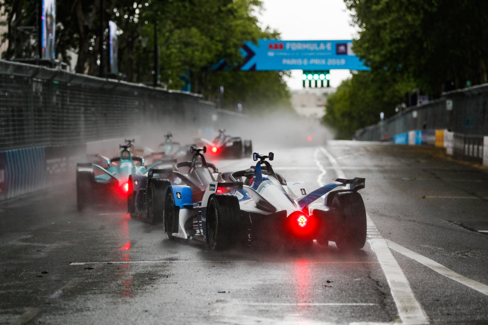 Спорткары, электрички и традиционно забойные «Формула-2» и НАСКАР. Топ-10 гонок апреля