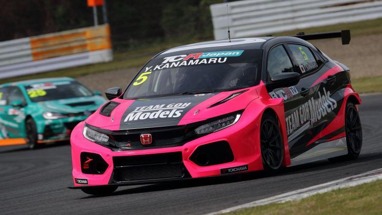 Хоусон и Канамару выиграли обе гонки первого этапа японского ТКР в Аутополисе