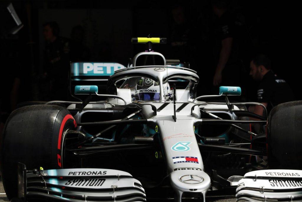 Боттас вновь оказался быстрее Хэмилтона во Франции, Квят — 17-й
