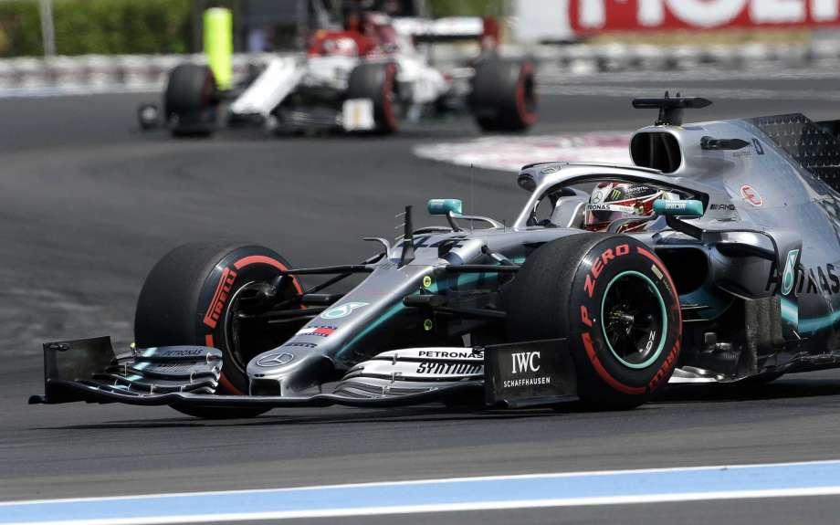 Льюис Хэмилтон завоевал поул перед Гран-при Франции 2019 года