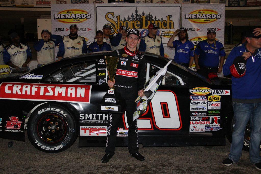 Чендлер Смит одержал победу в гонке серии АРКА